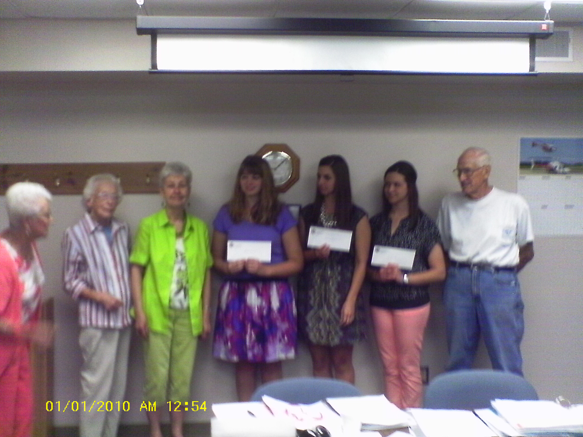 Foundation members and 2013 scholarship winners
